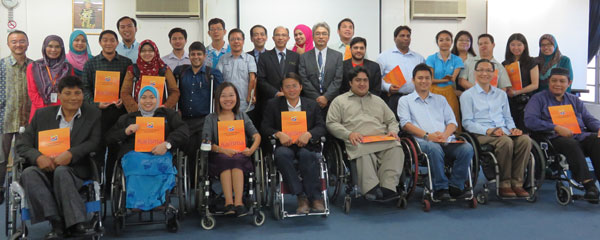 Participants with their certificates at the conclusion of the course.