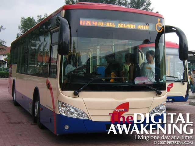 Non-step RapidKL bus at 1-Utama